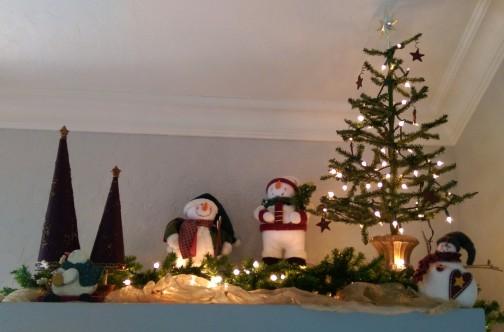 Cabinet top christmas decor snowman