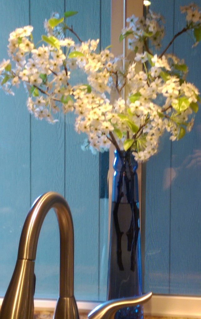 White blossoms arrangement